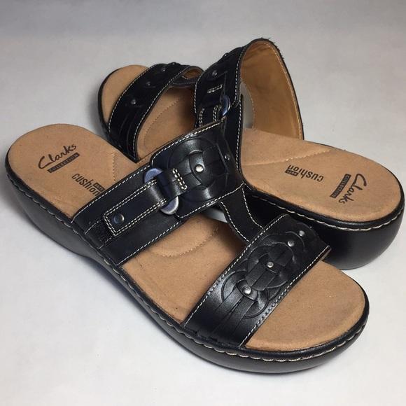 4accca02469e4 Clarks Delana Macrae Strappy Sandals Size 8.5W NWT